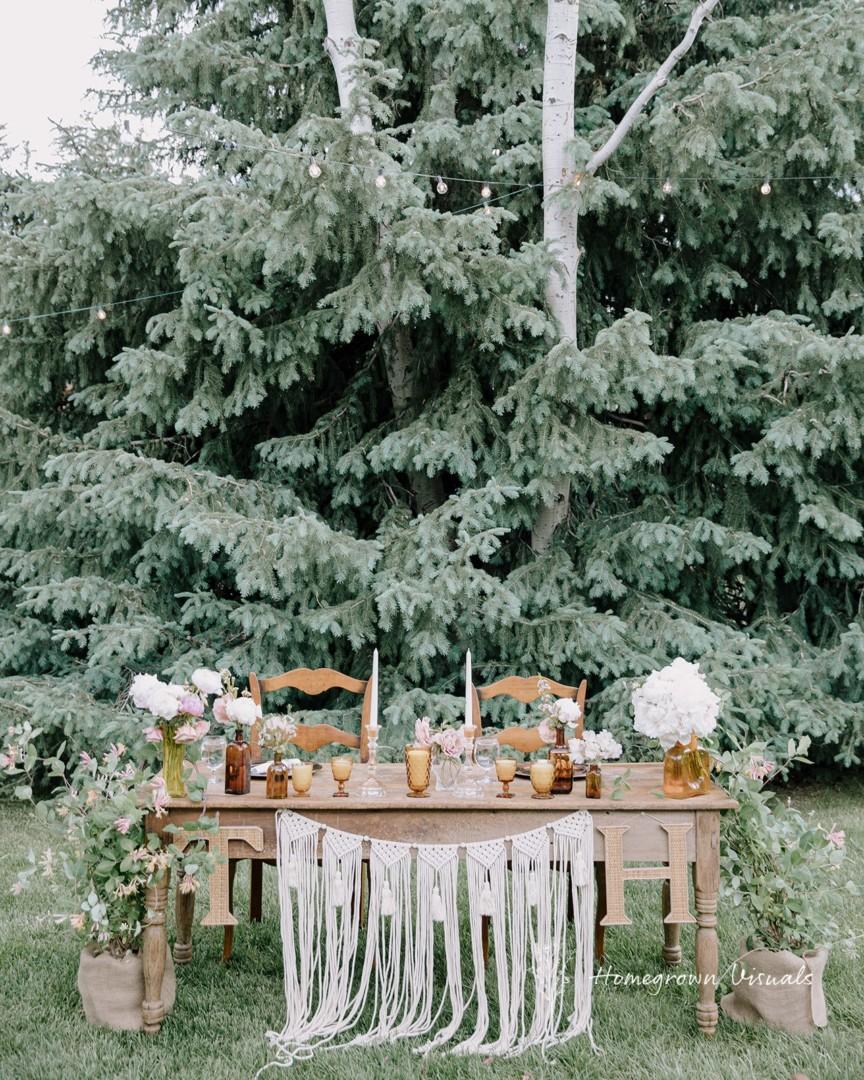 Bridal party table set to impress at Moose Creek Ranch wedding